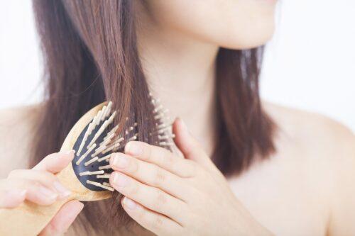 髪をサラサラにするシャンプーとは?